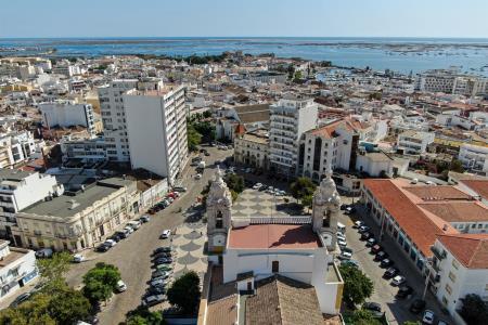 Terreno com ruina, Central - Faro, Faro